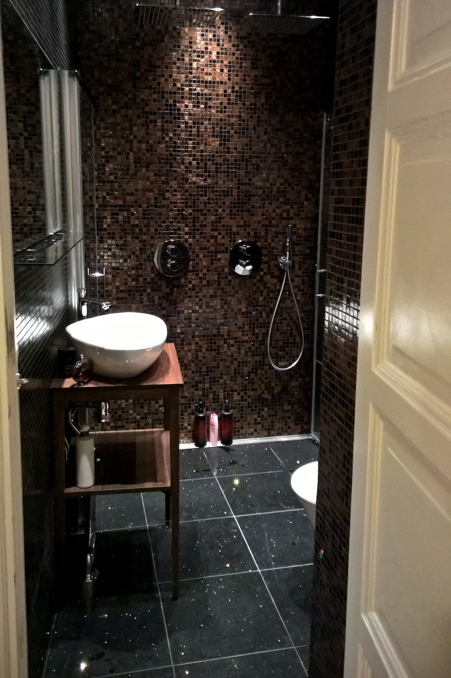 Badrumsmöbler hörnskåp ~ xellen.com